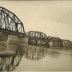 Most kolejowy w Warce