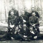 Na zdjęciu: Funkcjonariusze Policji Państwowej ze Spały. Lata 20. ub. wieku. Archiwum Andrzeja Kobalczyka