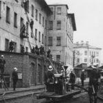 Na zdjęciu: Ćwiczenia straży zakładowej TFSJ w okresie międzywojennym. Zbiory Józefa Gołębiewskiego