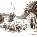 Na zdjęciu: Budynek tomaszowskiej poczty na zdjęciu sprzed 1929 roku. Archiwum Andrzeja Kobalczyka