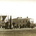 Na zdjęciu: Rynek Główny w Opocznie na zdjęciu z pocz. XX wieku. Zbiory Muzeum Regionalnego w Opocznie