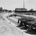 Na zdjęciu: Budowa wytwórni dwusiarczku węgla w TFSJ. Zdjęcie z 1934 roku. Zbiory Józefa Gołębiewskiego