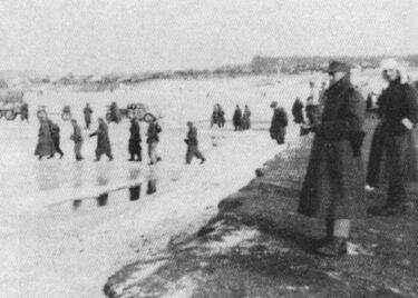 zdjęcie archiwalne forsowanie linii Pilicy w 1945 r.