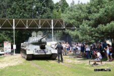 Pokaz jazdy czołgu T-34